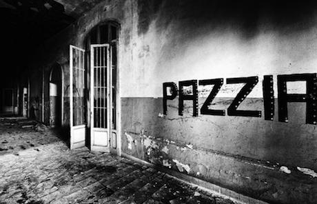 DOVE SONO FINITI I SOGNI DI BASAGLIA?<br>    <span> Una mappa fotografica dell'Italia a 40 anni dalla chiusura dei manicomi</span>  <br> 🔊  Puntata 570