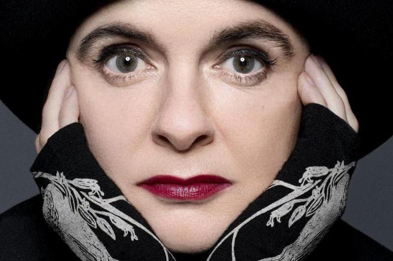 La psiche vista da Amelie Nothomb<br> <span> Intervista all'artista </span> <br> 🔊 Puntata 703